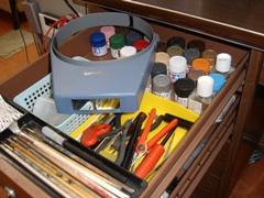 仕事場の引き出しの中に作った道具箱。ナイショです(笑)